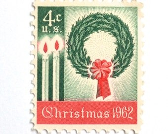 10 Unused Vintage 1962 Christmas Postage Stamps // Christmas Wreath // First Holiday Stamp // For Mailing