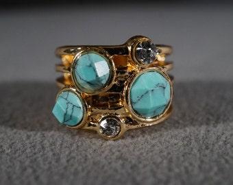 Vintage Yellow Gold Tone 5  Round Rhinestone Faux Turquoise Stone Fancy Curved Cigar Band Style Wedding Band Ring, Size 8