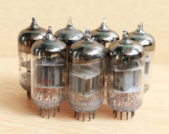 lot of 7 Vacuum Tubes / radio valves /  Steampunk supplies / Altered Art /  Radio Components / Radio Lamp / rare finds / Soviet vintage