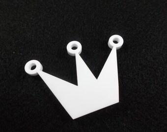 1 Crown, acrylic, 3.5 x 5 cm, white