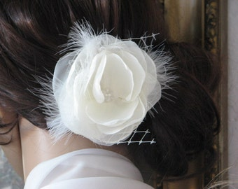 Ivory hair flower Wedding ivory flower Ivory wedding headpiece Ivory hair pin Wedding hair piece Ivory headpiece Ivory fasciantor Ivory clip