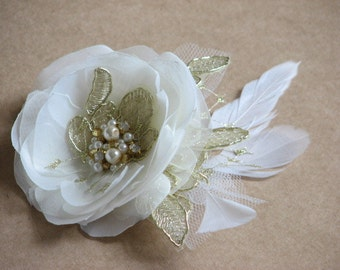 Ivory gold hair flower Wedding gold hair flower Wedding headpiece Ivory gold headpiece Gold hair flower Gold wedding pin Wedding hair pin