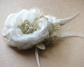 Wedding hair flower Ivory hair flower Ivory wedding flower Ivory headpiece Ivory gold lace flower Ivory hair pin Wedding headpiece Gold lace