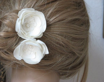 Ivory hair flowers Wedding ivory hair flower Ivory headpiece Ivory wedding flower Ivory hair piece Set of 2 ivory hair flower 2 inch flower