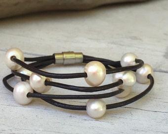 Pearl leather bracelet, freshwater pearl bracelet, pearl bracelet, leather pearl bracelet, pearl, black leather bracelet, pearls on leather