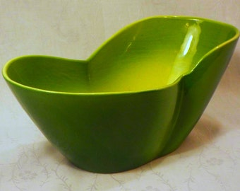 vintage LA CALIF green pottery planter oval kidney shape  mid-century retro dish  bowl
