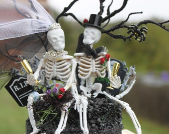 Skeleton Bride and Groom Holloween Cake Topper/ Wedding Cake Topper/ The Day of the Dead