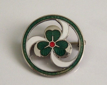 Mid Century Girl Guide Pin. Volunteer Thank You Pin. Clover Pin.