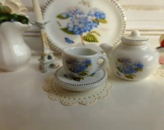 Hydrangeas Tea cup and Saucer for Dollhouse