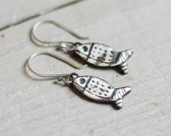 earring silver massive, small fish, minimalist, discreet, feminine, silver engraved