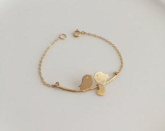 Personalized Mother Bracelet. 1, 2, 3, 4, 5 Little Gold Baby Birds. Initial Gold Bird Bracelet. Family  Jewelry. Expecting Mom Gift. New Mom