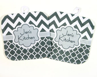 Gifts for Cooks Personalized Pot Holder Monogrammed Gift Custom Oven Mitts Unique Gifts for Mom Kitchen Gifts Hostess Gift Monogrammed