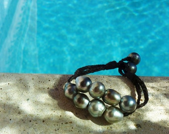 Tahitian pearls on leather bracelet - women tahitian pearls bracelet