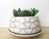 Large Low Triangle Planter. Black and white. Arrows. Modern. Geometric. Home decor. Handmade. Drainage hole. Wedding gift. MADE TO ORDER.