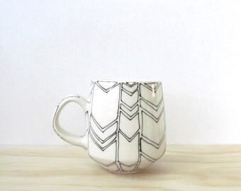 Black and White Chevron Tea or Coffee Mug. Arrows. Graphic. Minimal. Unique porcelain ceramic mug. Modern kitchen. Home decor. MADE TO ORDER