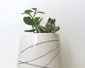 Large Black and White Wandering Lines Planter. Modern. Handmade porcelain planter, dish and drainage. Housewarming. READY TO SHIP.