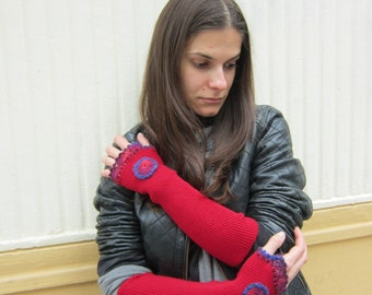 Red Crochet Gloves, Crochet Mittens Women, Knit Arm Warmers , Crochet Cuffs Women, Boho Chic Gloves, Appliqued Gloves     loves