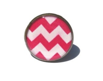 chevron ring, Zig Zag ring, Pink Chevron ring, adjustable ring, Chevron jewelry, geometric jewelry, antique brass ring, statement ring, Pink