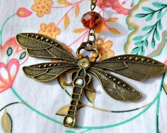 Necklace with pendant dragonfly