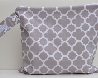 "Regular Wet Bag with Zipper Closure and Snap Open Strap - ""Greige"" (A Neutral Grey/Beige) Quatrefoil"