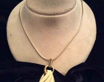 Vintage Off White Enameled Pendant Necklace