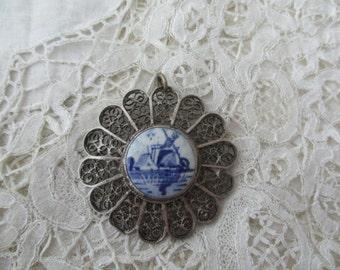 Delft silver pendant filigree 1920's