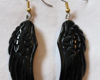 "Dangling earrings. ""STONE WINGS"" - 3 colors - wings in semi precious stones"