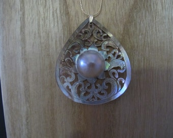 Carved Shell and Mabe Pearl Pendant Necklace