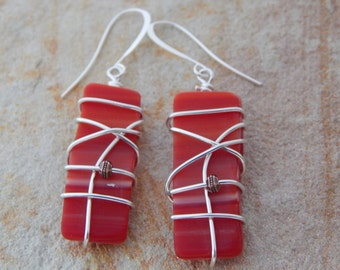 Red Glass Earrings, Stained Glass Jewelry, Wire Wrap Dangle Earrings, Recycled Glass, Fashion Accessories, Fashion Jewelry, Unique Earrings