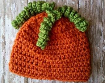 Adult pumpkin beanie. Pumpkin hat. Halloween hat. Crochet pumpkin.