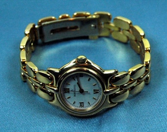ON SALE -- Vintage Bertolucci Lady's 18k Gold Watch Pulchra