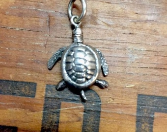 Charm Vintage Sea Turtle Pendant  Articulating movable Legs and Arms