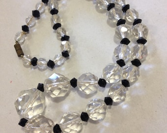 vintage Art Deco black and clear faceted clear glass beaded becklace