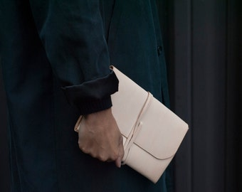 Simple Wrap Clutch - Natural