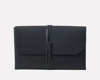 Simple Wrap Clutch - Black