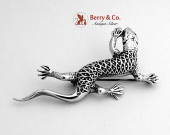 SaLe! sALe! Vintage Lizard Brooch Sterling Silver