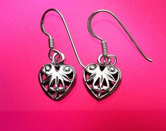 925 Solid Sterling Silver HEART VEIN Earrings- Small- Oxidized- Studs-Dangle