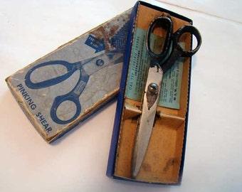 Pinking shears, vintage Cal-Tep pinking shear scissors
