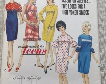 Straight Dress with Jewel Neckline Gathering into Yoke and Sleeve Variations Size 14T Bust 34 Uncut/FF Vintage Butterick Sewing Pattern 4136