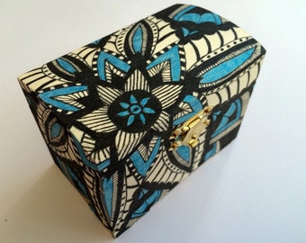 Hand drawn blue & black flower pattern zentangle gift box