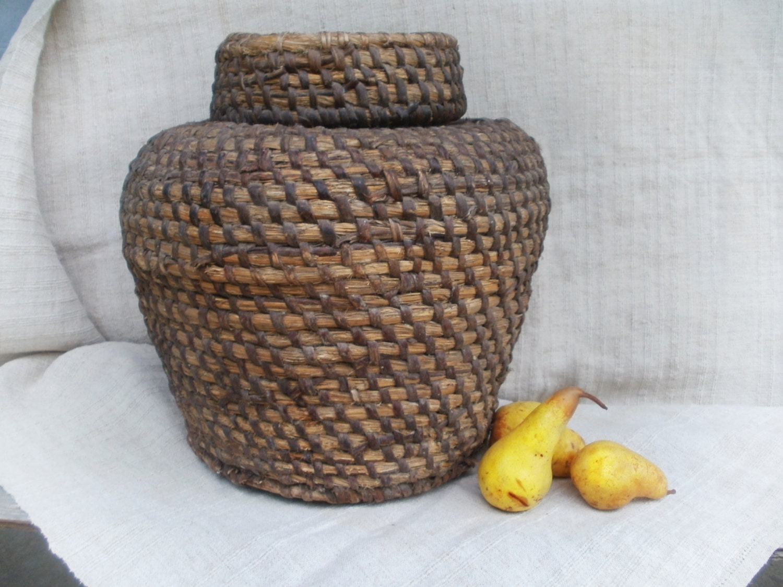 large african basket woven basket with lid antique vase gift. Black Bedroom Furniture Sets. Home Design Ideas