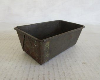 Vintage Small Metal Loaf Pan