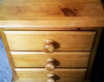 Small Vintage Pine 3 Drawer Chest - Apprentice Piece