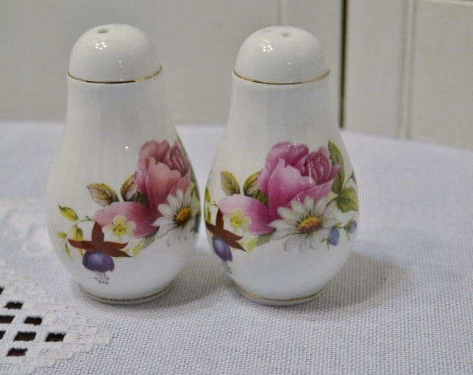 Vintage Salt and Pepper Shaker Set Pink and White Floral Fine Bone China Taiwan PanchosPorch
