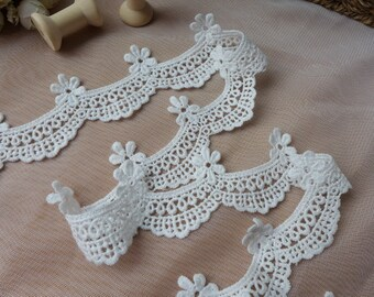 Delicate Scalloped Flower Lace with Eyelet Trim, Cotton Off white Lace Trim, 2 inches wide