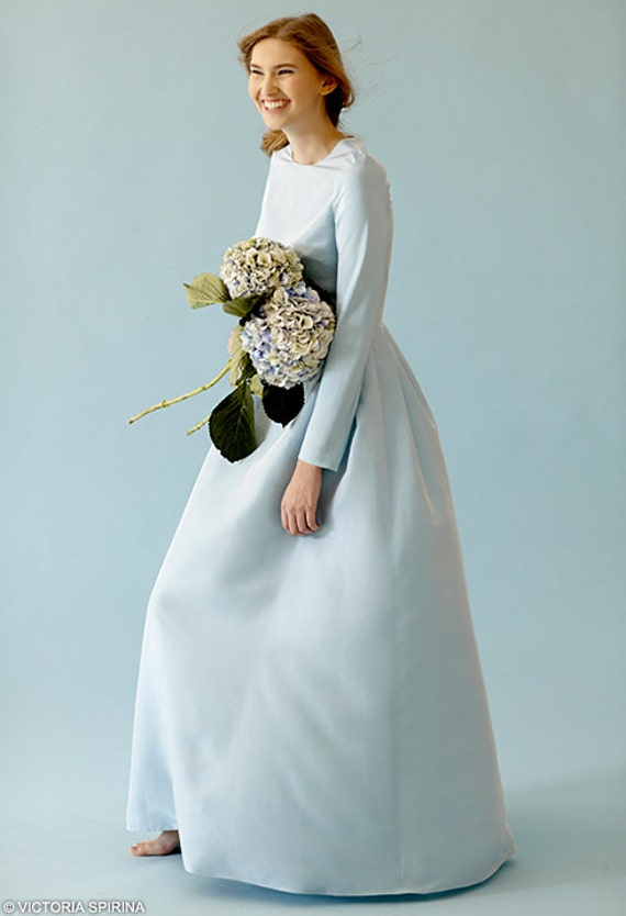 Blue wedding dress with sleeves
