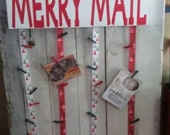 Wood rustic merry mail sign red/green