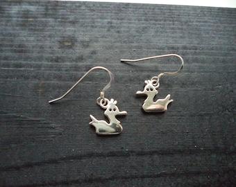 Novelty duck silhouette earrings