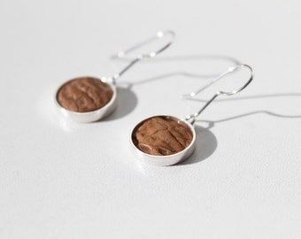 'Skin' earrings in 925 Silver with nutshell, hand made unique piece
