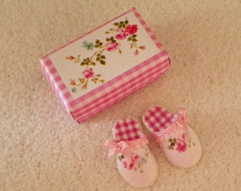 miniature dollhouse slippers -1/12 scale